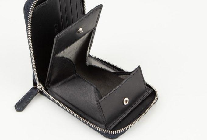 ブライドルラウンドジップ二つ折り財布のボックス型小銭入れ