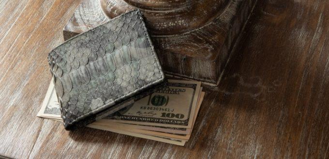 オススメの蛇革財布