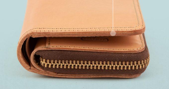 Wステッチショート財布の整えすぎないコバ
