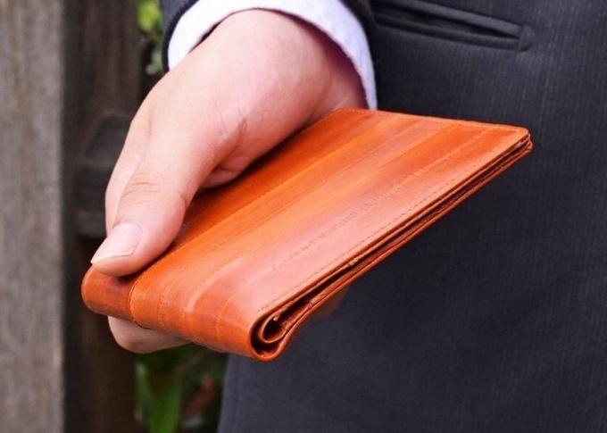 ハレルヤ・イールスキン薄型ウォレット二つ折り財布うなぎ革(薄さ8ミリ)