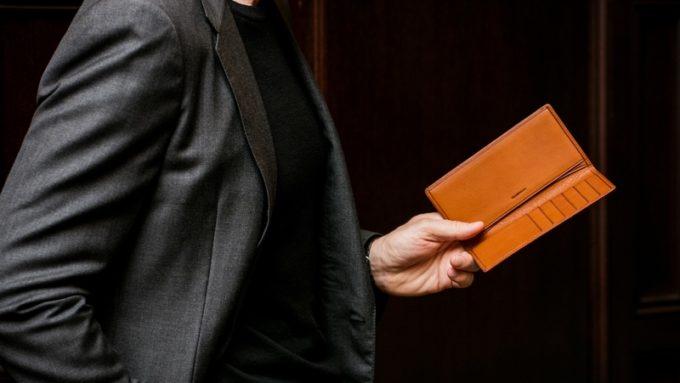 厚さ1センチ以下の小銭入れなし長財布