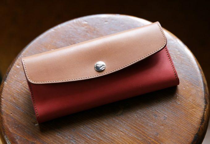 MOTOの革財布