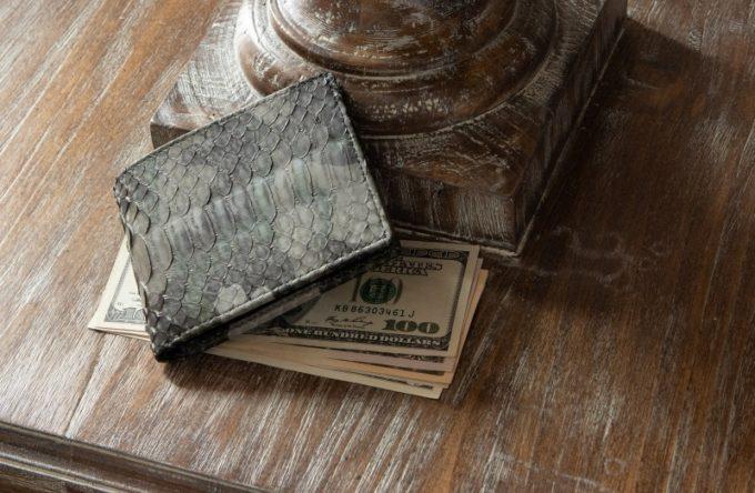 レザック・パイソン二つ折り財布