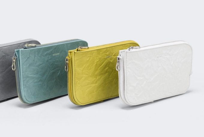 aniary・Rughe LeatherシリーズのマルチケースM