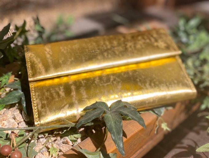 エコムラレスレザーシリーズのカブセ蓋長財布
