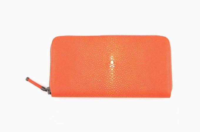 タンジュリンシリーズのオレンジカラーラウンド長財布