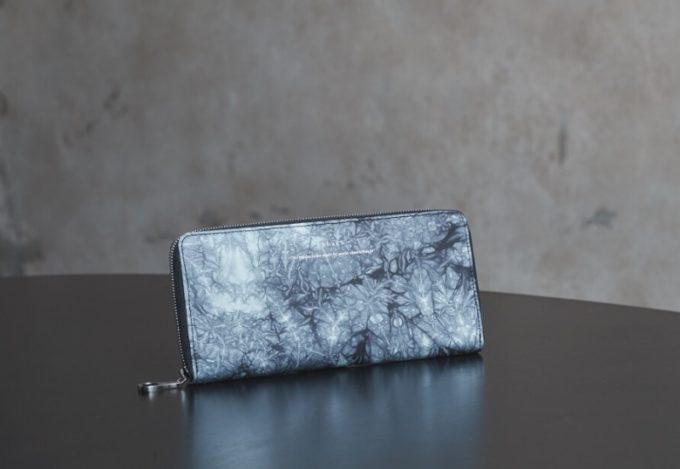 yuhaku(ゆはく)・shibori(しぼり)の長財布グレイカラー