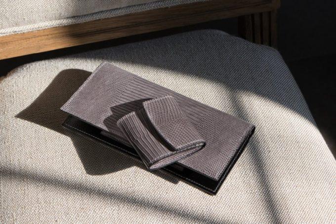 Crevaleathco(クレバレスコ)・Lizard(リザード)のグレイカラーの長財布