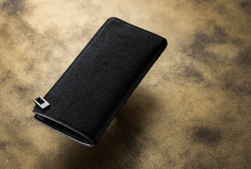 カモンド・黒桟革の財布(漆塗り国産黒毛和牛)