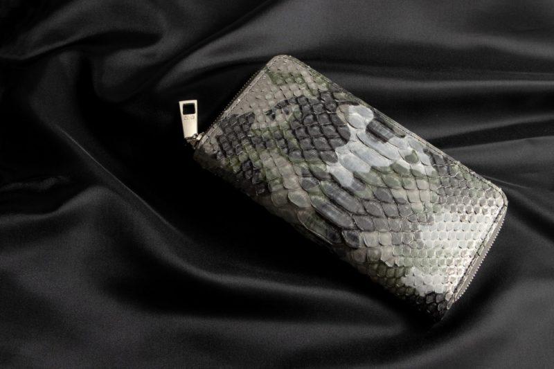 LE'SAC(レザック)・ダイヤモンドパイソン財布