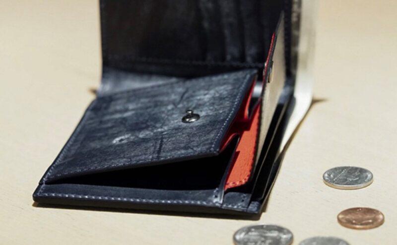 FIVE WOODS(ファイブウッズ)の二つ折り財布