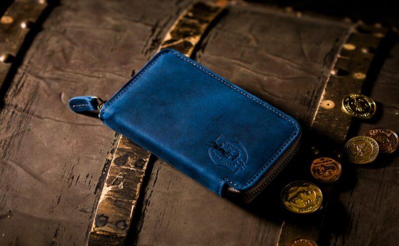 青色(ブルー)の革財布!お洒落なメンズ・レディース用大特集!